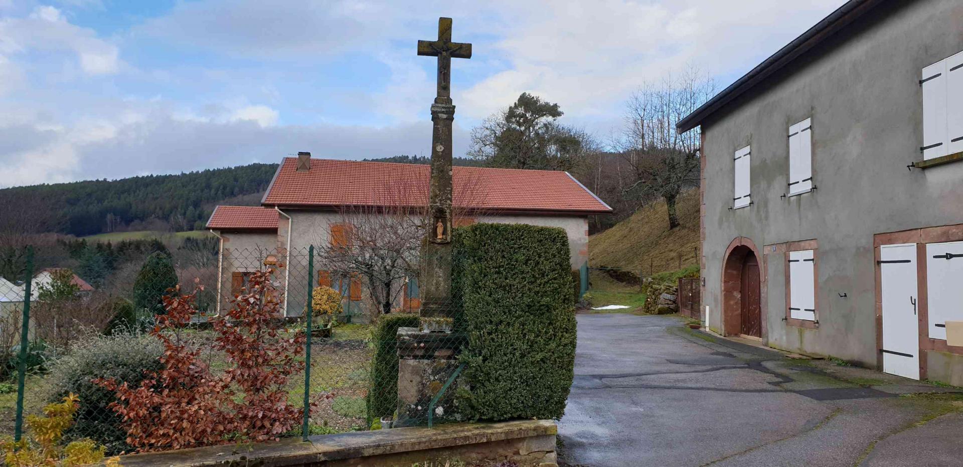 Croix 6 rue du village