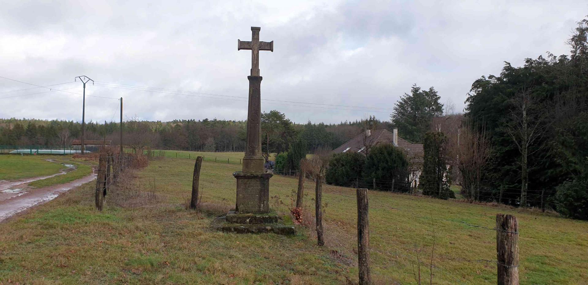 Croix au vieux lieu