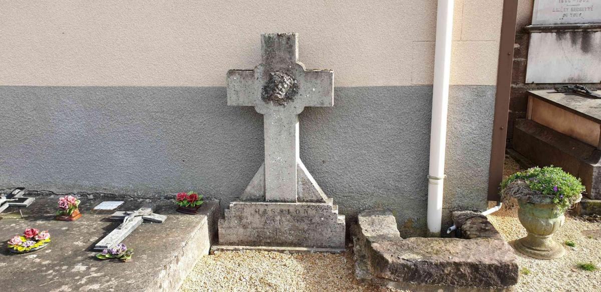 Croix de cimetiere n 2