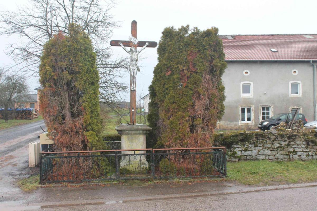 Croix grande rue