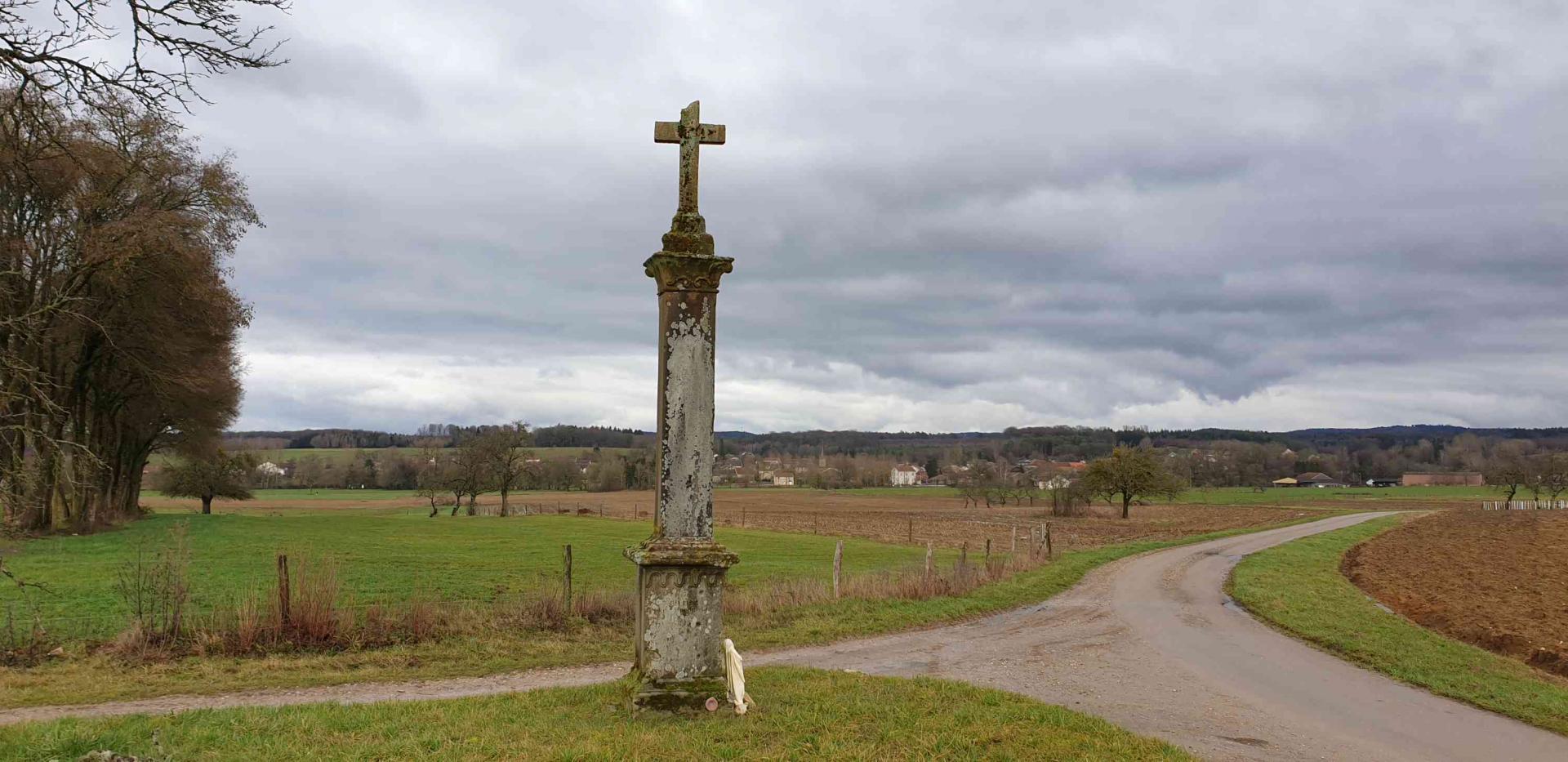 Croix route de bult