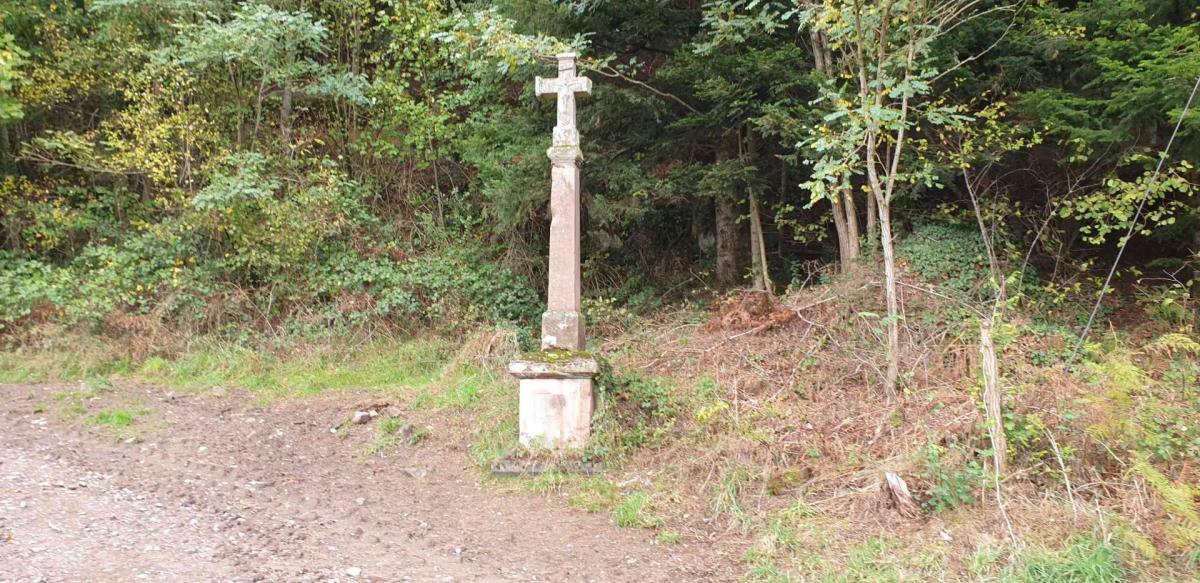 Croix route de fimenil