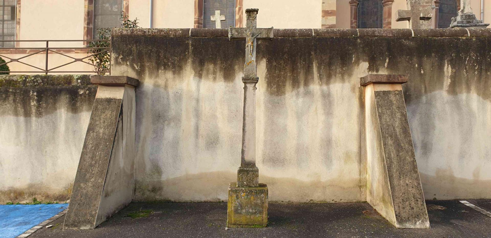 Croix rue de l eglise 1