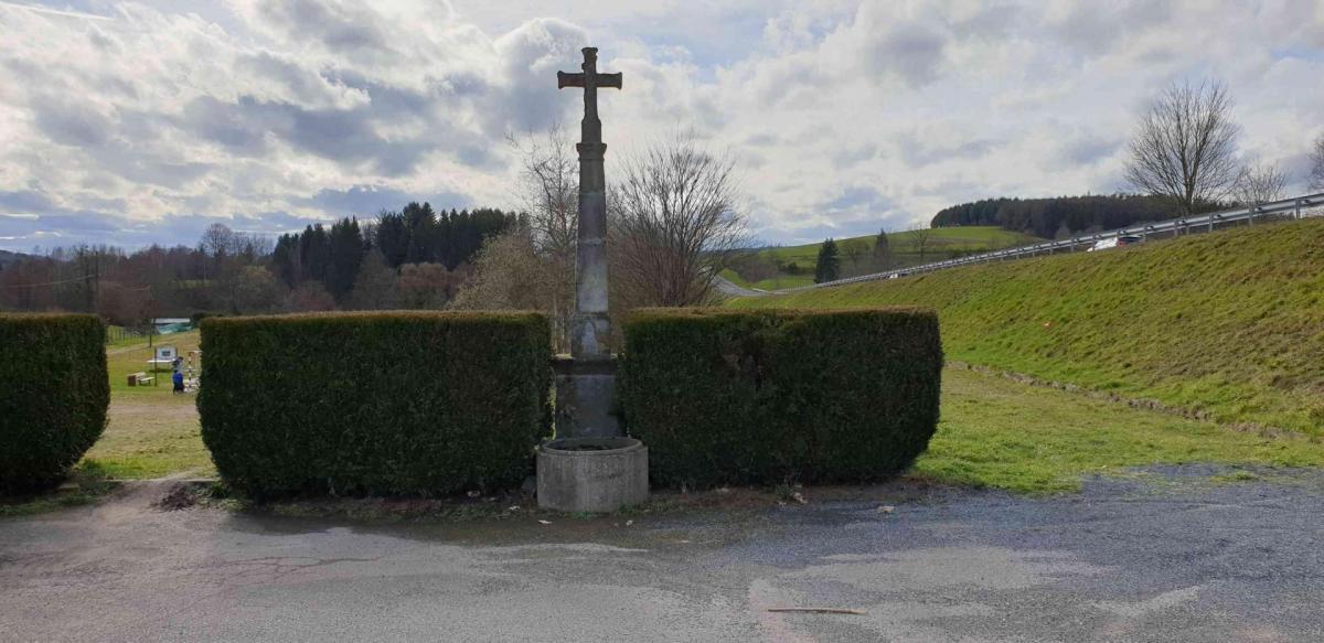 Croix rue de l eglise