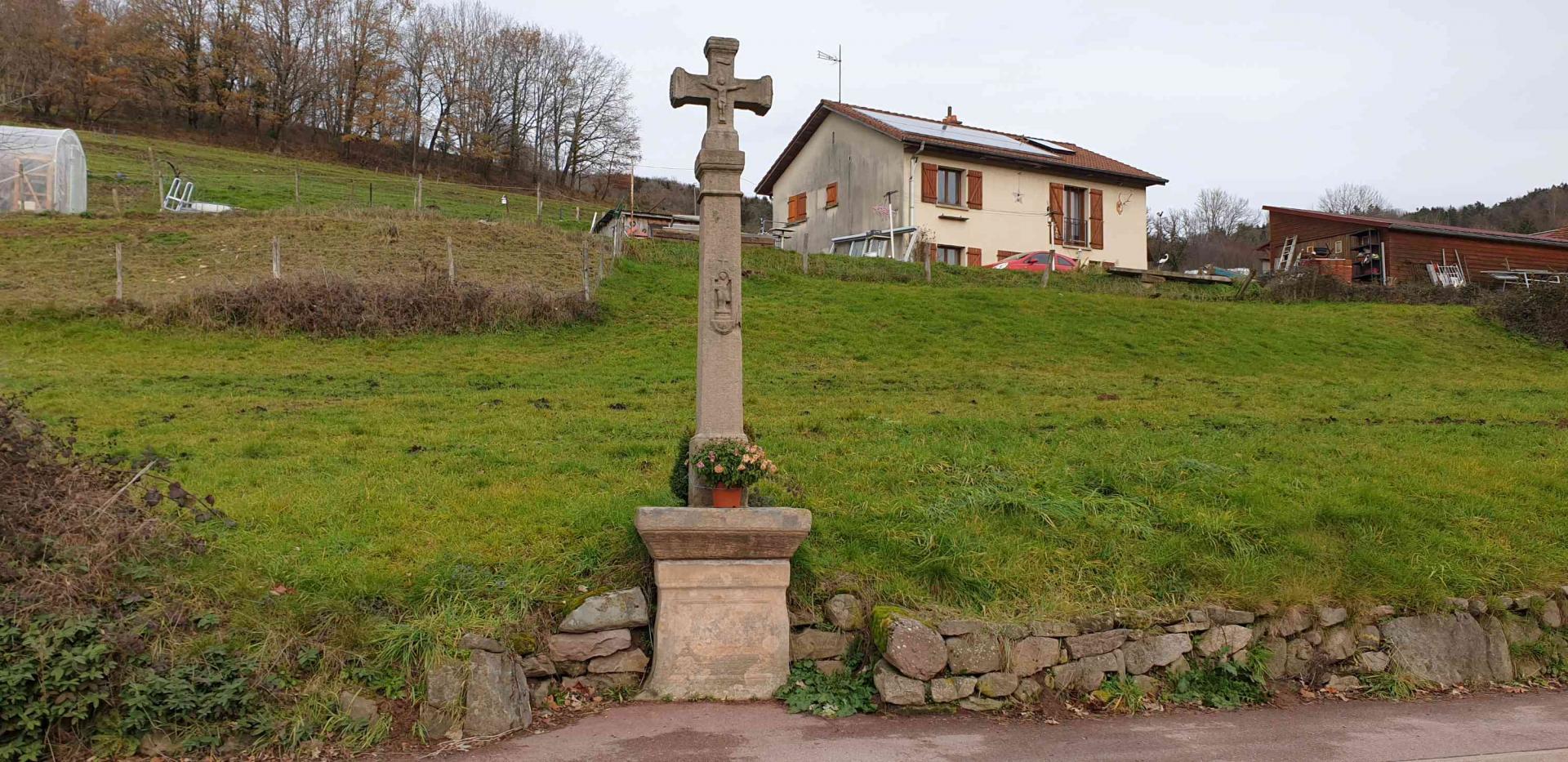 Croix rue de laveline 1