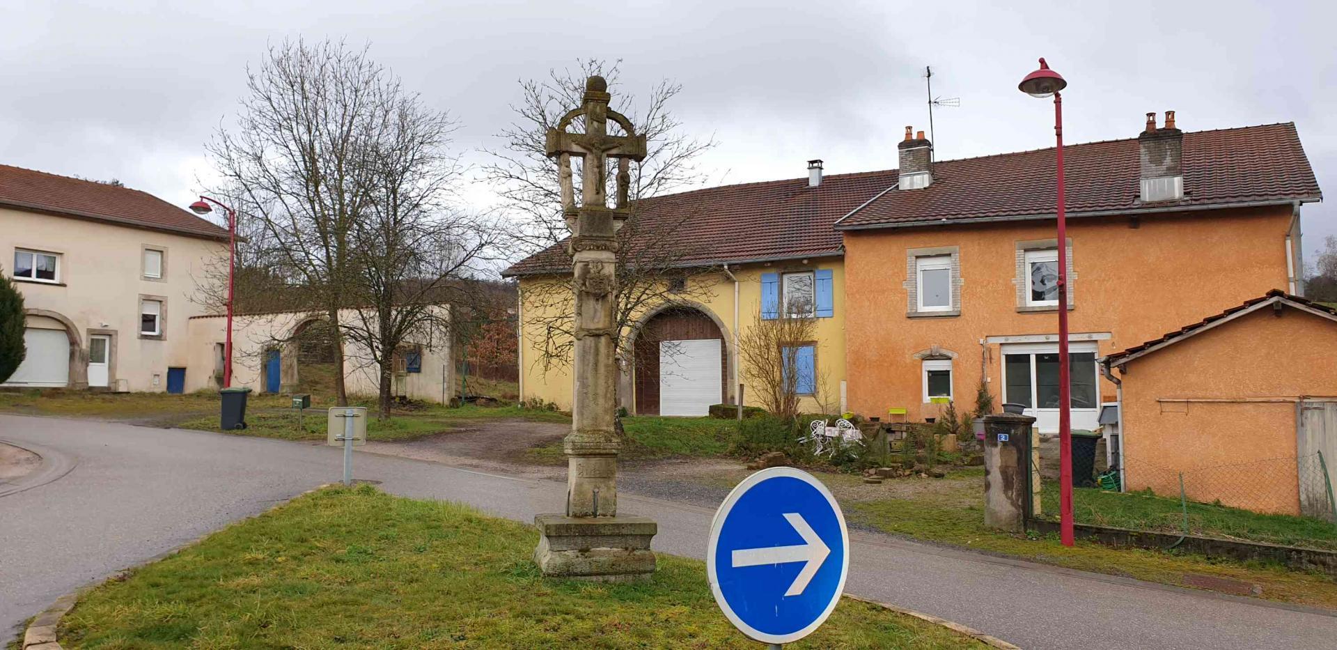 Croix rue du calvaire