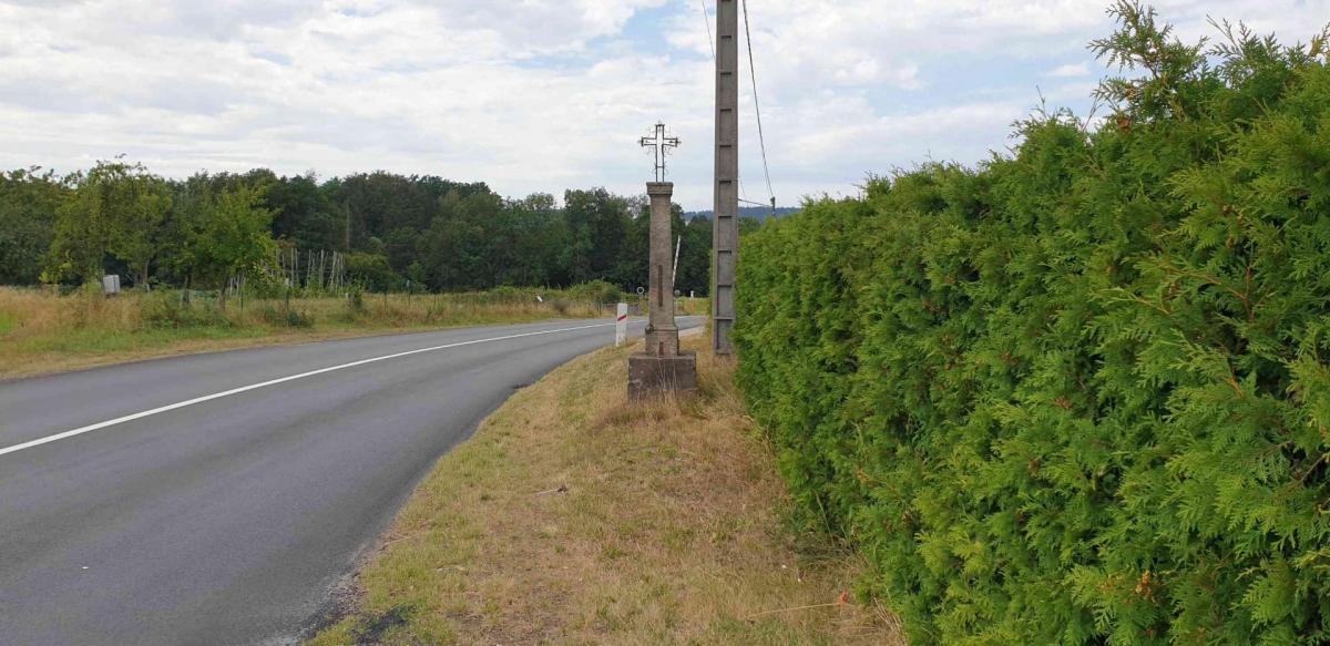 Croix rue du coq de bruyeres