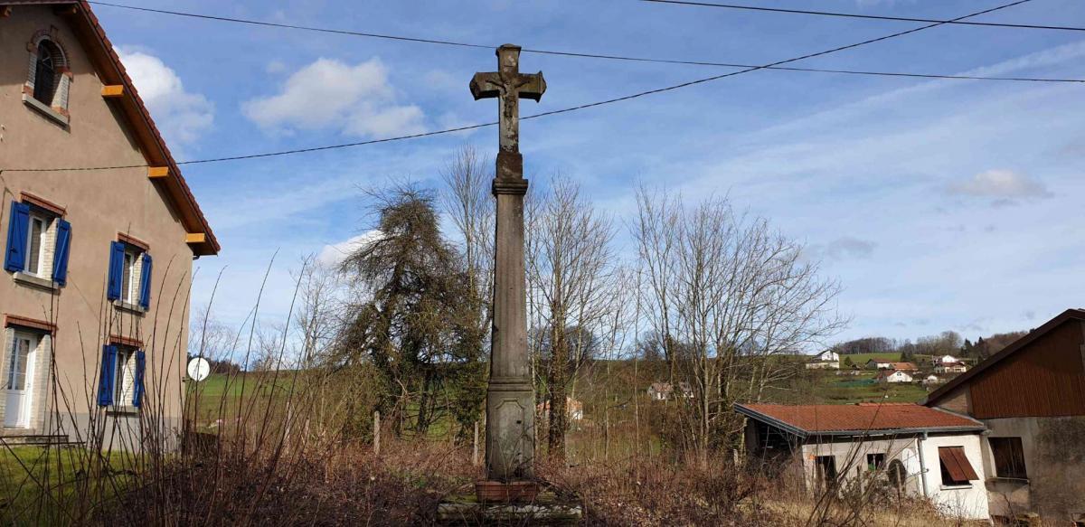Croix rue du haut du mont