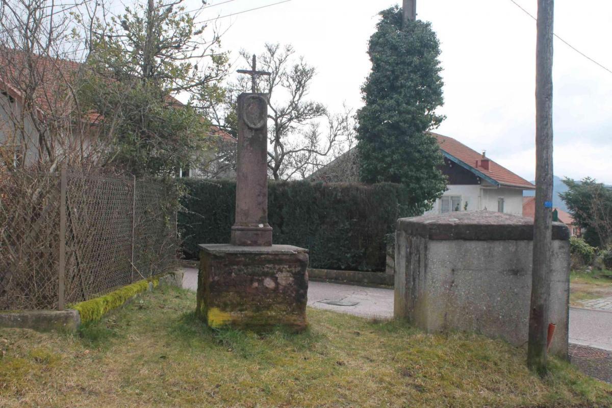 Croix rue marin